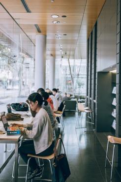 大学生はノートパソコンが必要