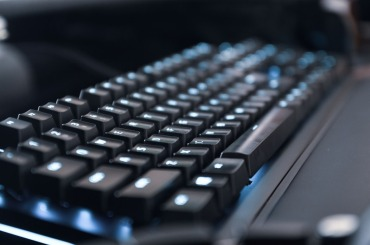 銀軸のキーボードとは