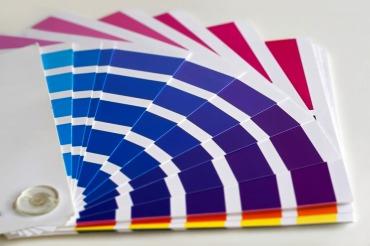 インクの色数で選ぶ